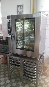 Vybavili sme školskú kuchyňu v obci Okoč s elektrickým konvektomatom Alphatech